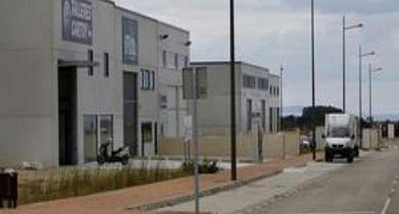 Ribadeo inaugura su área industrial con la apertura oficial de la primera nave 16/8/2012
